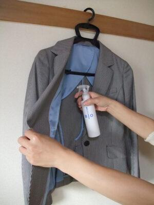 ヌーラビオをジャケットにスプレー